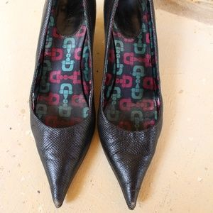 Gucci pointy black heels pump 7.5